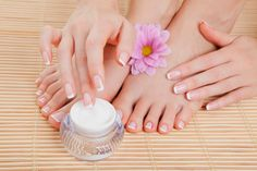 There are a lot of ways to get rid of dark feet and hands. For example, you can use lemon juice, which is an inexpensive remedy.
