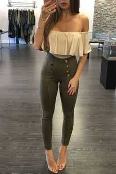 Meeting night-time outfits, occasion attire, glamourous design that's cozy also! Casual Skirt Outfits, Swag Outfits, Night Outfits, Outfits For Teens, Fall Outfits, Cute Outfits, Outfit Night, Fashion Models, Girl Fashion