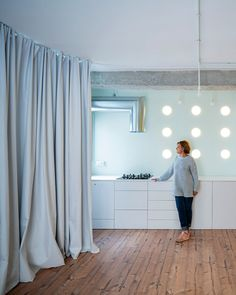 GRX Arquitectos designed The House of Curtains to bring brightness back into the dimly lit apartment of a psychologist in Granada, Spain. Floor To Ceiling Curtains, Drapes Curtains, Luz Natural, Concrete Interiors, Curved Walls, Exposed Concrete, Granada, Interior Walls, Blackout Curtains