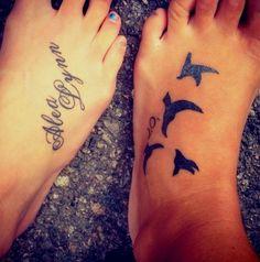 30 Cute Foot Tattoo Ideas for Girls - Beste Tattoo Ideen Foot Tattoos Girls, Cute Foot Tattoos, Small Foot Tattoos, Foot Tattoos For Women, Little Tattoos, Love Tattoos, Beautiful Tattoos, Picture Tattoos, Amazing Tattoos