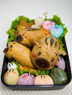 Japan's Anime CLANNAD Botan (Boar) and Dango Daikazoku Kyaraben Bento by Kasumin