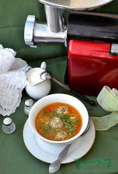 Ciorba de perisoare Romania, Thai Red Curry, Ethnic Recipes, Food, Essen, Yemek, Meals
