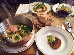 Restaurant La Bourse et la Vie, 12, rue Vivienne Paris 75002. Envie : Bistrot, Café. Les plus : Ouvert le lundi, Antidépresseur.