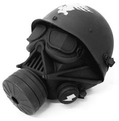 Darth vader gas mask.