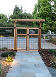 - Casual Spring Garden Gates Design Ideas That Youll Love - Making Your Dream Home a Reality Backyard Fences, Garden Fencing, Backyard Projects, Outdoor Projects, Backyard Landscaping, Garden Arbor With Gate, Arbor Gate, Dog Backyard, Fenced Yard