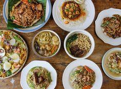 Filipino food: pansit. Yummm....