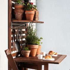 Green thumbs? ÄPPLARÖ wall panels help you to keep your tools all in once place.