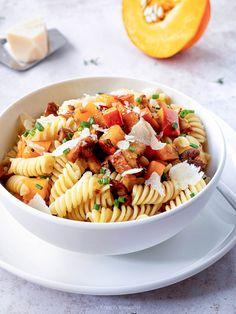 Nudeln mit Kürbis und Eierschwammerl Kraut, Ethnic Recipes, Food, Cilantro Recipes, Pumpkin Noodles, Mushrooms, Meals