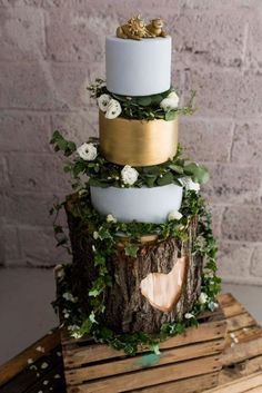 Gold And Grey Wedding Cake on Tree Stump Cake Stand & Wooden Crate - Rue De Seine Wedding Dress For A Relaxed Wedding At Axnoller Farm With Images From Alice at Babb Photo Floral Wedding Cakes, Wedding Cake Rustic, Rustic Cake, Wedding Cake Designs, Wedding Cake Toppers, Tree Wedding Cakes, Gold Wedding, Wedding Cake Stands, Luxury Wedding