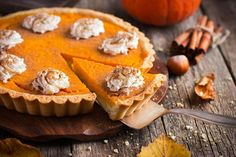 Fireball Cinnamon Whiskey Pumpkin Pie is a game changer. Fireball Cinnamon Whiskey Pumpkin Pie is the perfect dessert for thanksgiving which in my opinion trumps original pumpkin pie recipes out there. Original Pumpkin Pie Recipe, Avocado Egg Sandwiches, Cheesecake Mousse Recipe, Tarte Vegan, Gourmet Recipes, Dessert Recipes, Perfect Pumpkin Pie, Cinnamon Whiskey, Holiday Pies