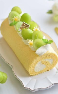 What is the perfect cake, the limitless way of customizing? 50 new Ideas - Page 23 of 52 - hotcrochet . Cake Roll Recipes, Dessert Recipes, Cute Desserts, Cafe Food, Savoury Cake, Aesthetic Food, Mini Cakes, Cake Designs, Cake Decorating