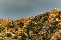 Cinco anos depois da ocupação, tiroteios e mortes são constantes no Complexo e em outras favelas contempladas pelo programa de pacificação do governo do Rio de Janeiro.