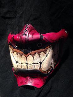 Media máscara de Oni de cuero rojo kabuki por SkinzNhydez en Etsy