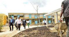 Navarro supervisa construcción escuelas en Ciudad Juan Bosch SANTO DOMINGO,RD .-El ministro de Educación, Andrés Navarro, realizó un amplio recorrido de supervisión por los centros educativos en avanzado proceso de construcción en la Ciudad Juan Bosch,