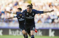 Gareth Bale Photos - Gareth Bale of Real Madrid celebrates after scoring goal during the La Liga match between Real Sociedad de Futbol and Real Madrid at Estadio Anoeta on August 21, 2016 in San Sebastian, Spain. - Real Sociedad de Futbol v Real Madrid CF - La Liga