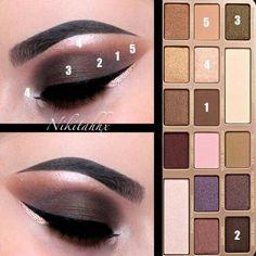 Too Faced Chocolate Bar Dark eye