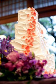 MAIKO HOTELsince1919(舞子ホテル)|結婚式場写真「お着物に合わせた和風のウェディングケーキも人気」 【みんなのウェディング】