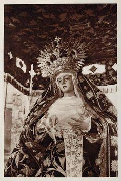 Virgen de la Presentación, de la Hermandad de El Calvario. Obra de Juan de Astorga (S. XIX)