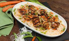 Cuisses de poulet à la thaïlandaise avec salade de nouilles de riz