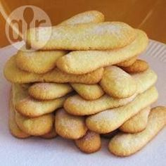 These sponge fingers are also known as lady fingers. They can be eaten as is with a cup of tea or coffee or used in other recipes, such as tiramisu. Italian Cookies, Italian Desserts, Just Desserts, Italian Recipes, Gluten Free Desserts, Italian Biscuits, Savoiardi Recipe, Other Recipes, Sweet Recipes