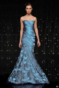 Jean Fares Breeze Me. Fabulous Dresses, Stunning Dresses, Beautiful Gowns, Elegant Dresses, Pretty Dresses, Blue Dresses, Prom Dresses, Flapper Dresses, Vestidos Fashion