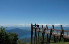 Belvédère du Revard Accessible en voiture ou bus. Arrivée directement sur site. #Revard #Savoie #SMBT #Aixlesbains #Lacdubourget #montagne #lac
