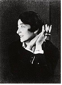 L'Irlandaise Eileen Gray (1878-1976) fait partie de cette génération de femmes pionnières qui ont bousculé l'univers de la création au tout début du XXe siècle.