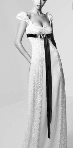 05. Silhueta império. Geralmente bem decotada e com cintura alta logo abaixo do busto com saia reta e longa e quando com mangas, são bufantes.