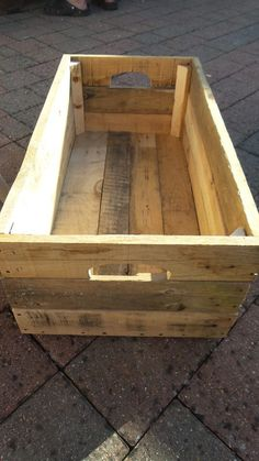 Pallet box. Good idea.