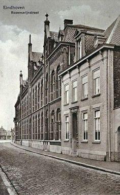 Het gasthuis aan de Rozemarijnstraat. Met de komst van vier Zusters van Liefde uit Tilburg naar Eindhoven in 1843 en de stichting van een gasthuis aan de Achterstraat werd de basis gelegd voor het eerste ziekenhuis in Eindhoven. Klik op de foto voor het hele verhaal!