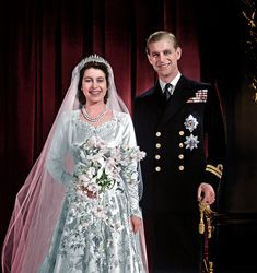 Bringing black and white pictures to life Korea Dress, Royal Crowns, Victoria And Albert, Royal Weddings, Black And White Pictures, British Royals, Bring It On, Victorian, Queens