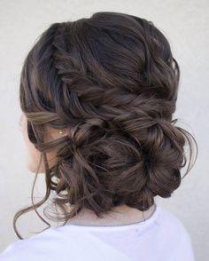 Hoy te enseñamos 10 maneras diferentes de llevarla.  #trenzas #peinado #espiga