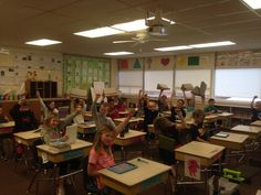 How Teacher Elissa uses PadPillow Pillow Stand for iPad in the classroom