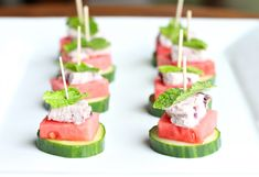 Watermelon Cucumber Goat Cheese Bites – Such a simple appetizer that is healthy and delicious! Source by pbfingers Watermelon Appetizer, Cucumber Appetizers, Mini Appetizers, Watermelon Recipes, Healthy Appetizers, Healthy Dessert Recipes, Real Food Recipes, Blueberry Goat Cheese, Protein Fruit