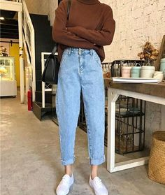 To School Outfit jeans Comfy Jean Outfits Bequeme Jean-Outfits Retro Outfits, Mode Outfits, Jean Outfits, Casual Outfits, Outfits With Mom Jeans, 90s Mom Jeans, Fall Outfits, Skinny Pants Outfits, Cute Vintage Outfits