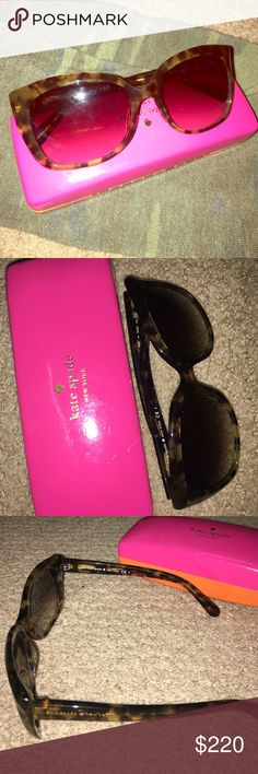 MOVING SALE!! Kate Spade sunnies ✔️130+ items sold with a 5.00/5 star rating 🔝 10 % seller ❎ Trades or Paypal please  🔆 Pet & smoke free home 💋All items shipped carefully. Gorgeous and never worn! Comes with original box and wipe.<<<top 10% seller>>>>> kate spade Accessories Sunglasses