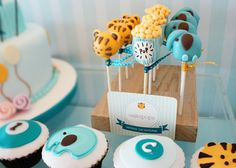 cake pop details @Katie Burgett how cute would this be for Sarah's shower depending on what she is having of course