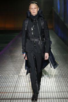 773a578831c0f 285 melhores imagens de FASHION WEEKS no Pinterest   Fashion news ...