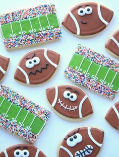 What's more American than Super Bowl Sunday? Perhaps it's the proliferation of Super Bowl snacks! Try making one or more of these 28 Super Bowl Snacks and Festive Party Food Ideas and your guests will go wild! Cookies Cupcake, Galletas Cookies, Iced Cookies, Cute Cookies, Royal Icing Cookies, Football Sugar Cookies Royal Icing, Birthday Cookies, 8th Birthday, Football Birthday Cakes