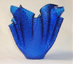Blue bowl / vase