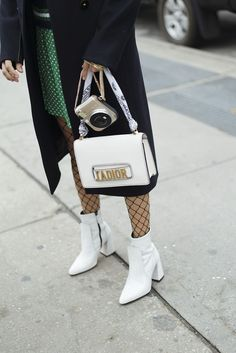 White ankle boots, fishnet tights, white bag and white boots look, fishnet tights and ankle booties outfit