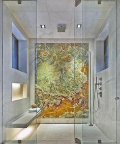 une douche à effet pluie pour votre salle de bains moderne