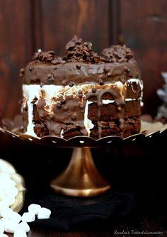 Schokoglück mit der schokoladigsten Schoko-Crossie-Torte von Sandras Tortenträumereien