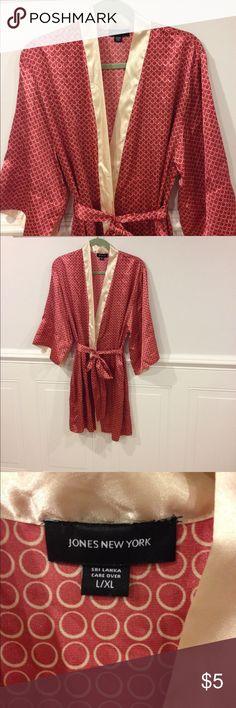 Jones New York robe L/XL good condition Size Large/Extra Large Jones New York robe good condition Jones New York Intimates & Sleepwear Robes