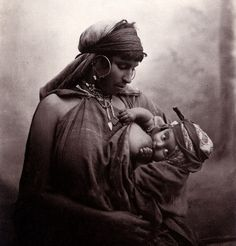 Tunisian mother and child, ca. 1899