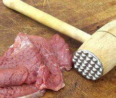 batendo carne/bife de patinho na tabua - Google Search