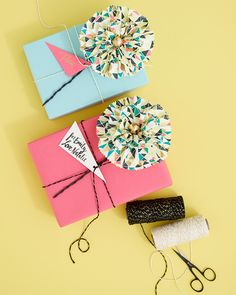diy | paper napkin flowers.