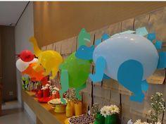 Dinosaur themed birthday Dinosaur Birthday Party, 3rd Birthday Parties, Birthday Party Decorations, 2nd Birthday, Festa Toy Store, Dinosaur Balloons, Boy Baby Shower Themes, Shower Baby, Jungle Party