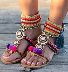 Hecho a mano sandalias de cuero griego Pom Pom por DimitrasWorkshop Boho sandals