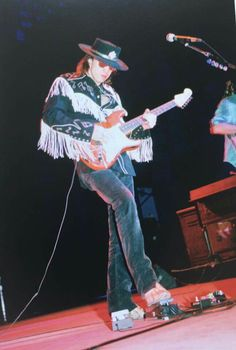 Stevie Ray Vaughan Guitar, Steve Ray Vaughan, Srv Guitar, Name That Tune, Famous Guitars, Music Genius, Allman Brothers, Music Photo, Kinds Of Music